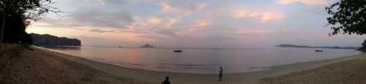 Soothing sun rise at a beach in Krabi!
